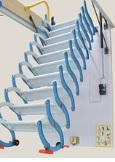 סולם מדרגות נשלף לעליית גג